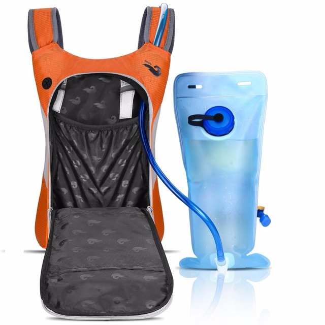 Travelling Solar Panel+Water Bag Backpack