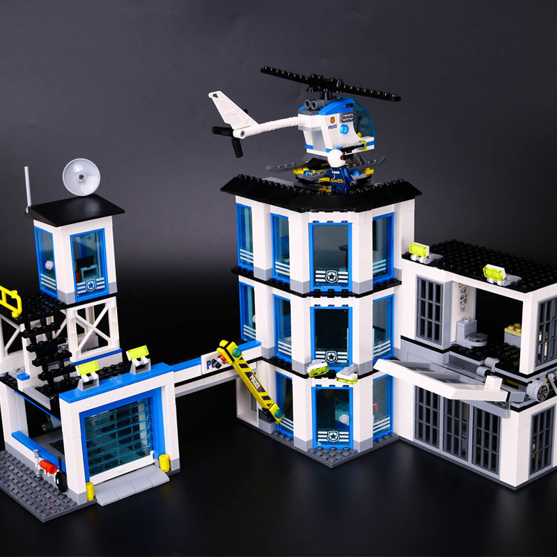 Lepin 02020 965Pcs City Series The New Police Station Set children Educational Building Blocks Bricks Boy legoINGlys Gift 60141 dhl lepin 02020 965pcs city series the new police station set model building set blocks bricks children toy gift clone 60141