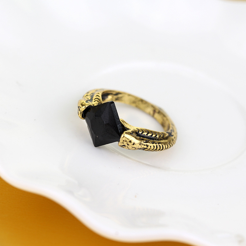 2018 Fashion Bronze Action Toy Figures Rings the Deathly Hallows Rings man Finger Black Resurrection Stone Men Ring