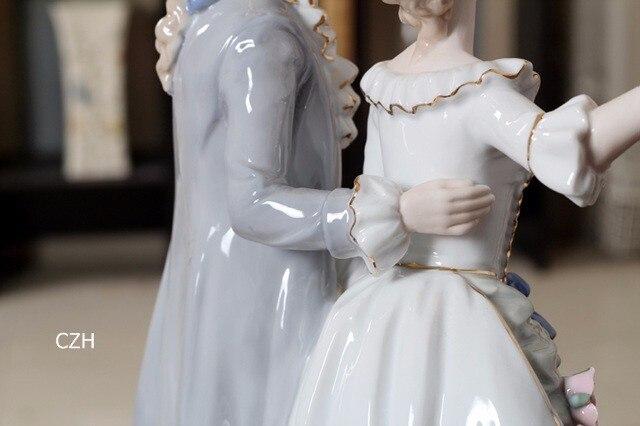 Europeu antigo casal de porcelana escultura nobreza