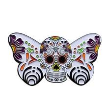 Pin de esmalte de mariposa adornado, broche de calavera de azúcar, flores, insignia artística botánica, regalo de joyería para el Día de los muertos