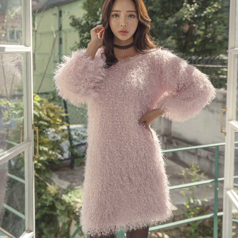 Baru Musim Dingin Korea Designer Wanita Pink Berbulu Lengan Lentera Faux Sweater Dress Wanita Bodycon Gaun Pesta Longgar Mini Dress