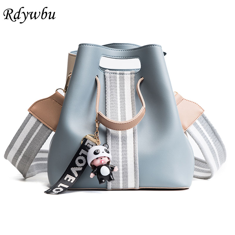 цена на Rdywbu Colorful Wide Strap Bucket Bag With Pendant Women's PU Leather Drawstring Shoulder Bag Brand Desinger Crossbody Bags B636