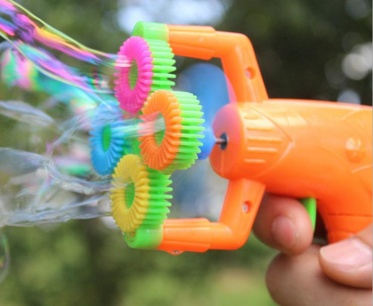 12*9cm Electric Soap Bubble Gun No liquild #5 battery power Automatic Bubble Water blowing machine kids holiday water gun d22
