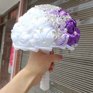 Image 4 - WifeLai EINE Lila Weiß Kristall Hochzeit Rose Blumen Diamant Brosche Hochzeit Bouquets de noiva Kristall Hochzeit Bouquets W240