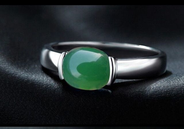 925 silver, platinum plating, natural chrysoprase ring