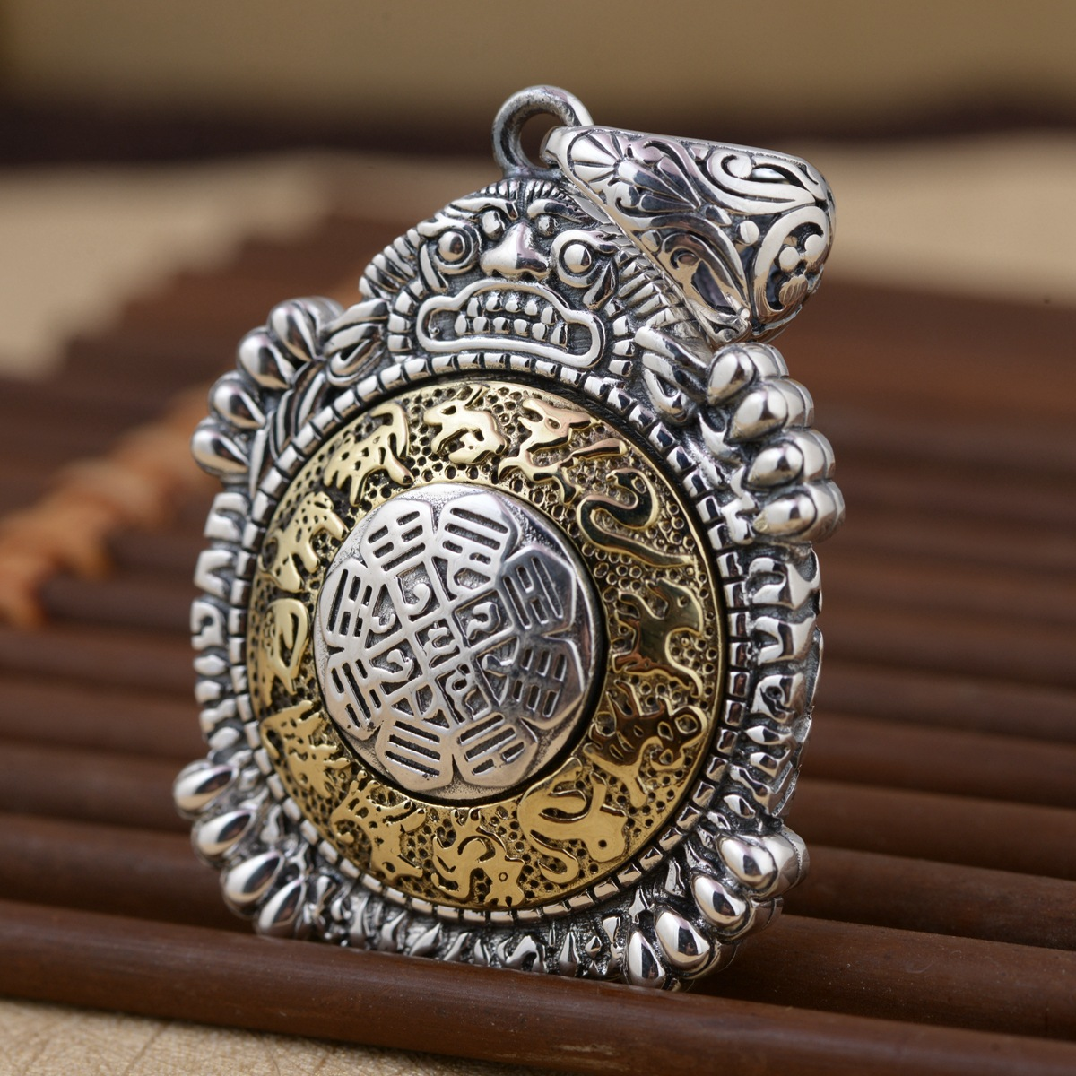 Emperor gold jewelry line Chinese zodiac pendants wholesale Fine silver pendant Rotating and design new products young emperor chinese edition