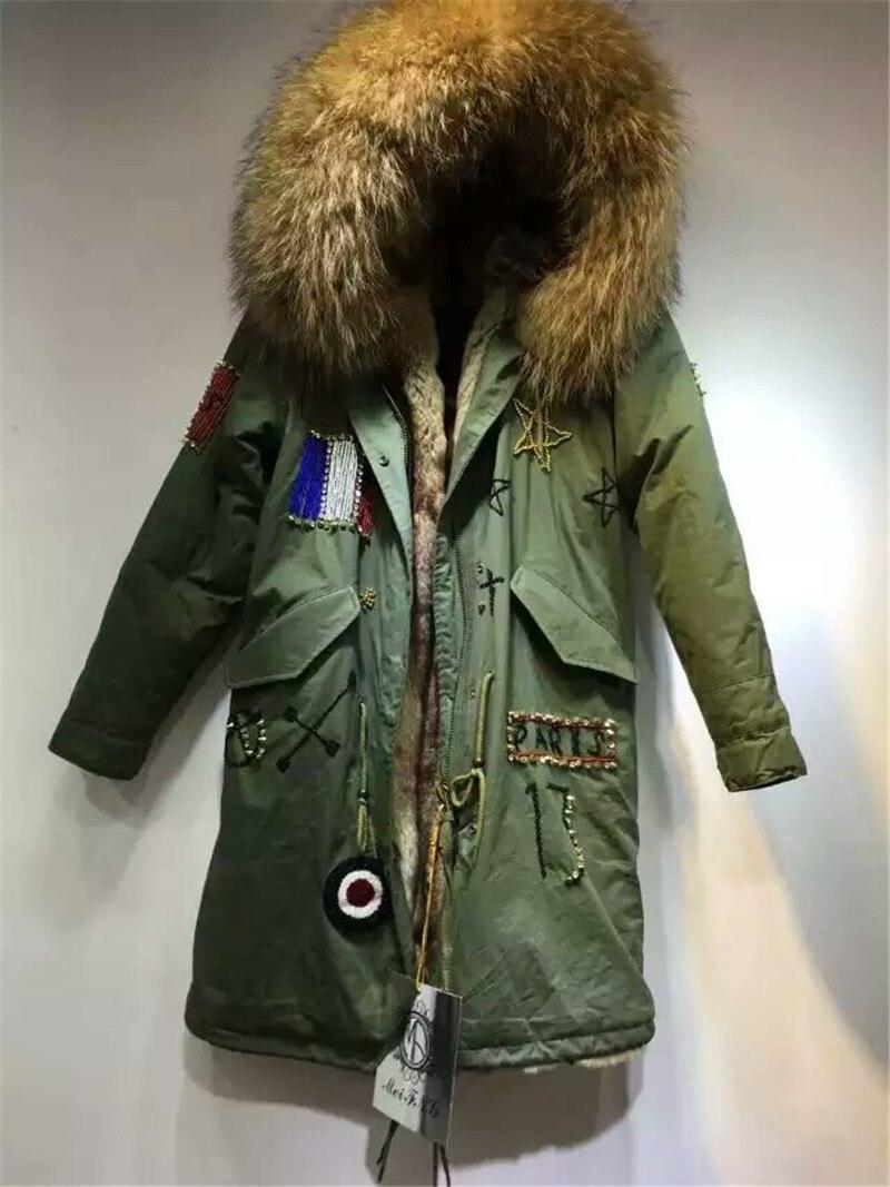 Парка с капюшоном и большим воротником из меха енота, украшенная бисером, с подкладкой из искусственного меха, длинная куртка с мехом внутри