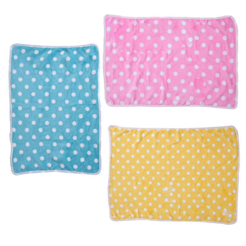 Cute Dot Dog Bed Sofa Soft Warm Sleep Mat Pet Puppy Coral Velvet Blanket for travel 2 Size 1pcs Newest 2017
