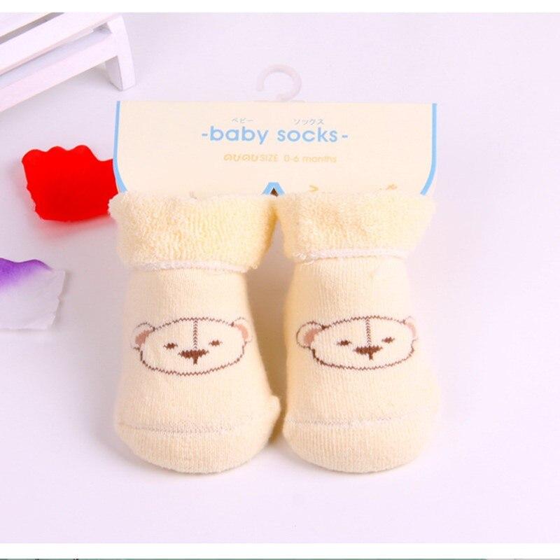 ce2d0bd190b98 3 paires lot 100% coton Bébé chaussettes nouveau-né chaussettes de bande  dessinée imprimé Mignon Ours Motif chaud doux enfant de chaussettes 0-six  mois bébé ...