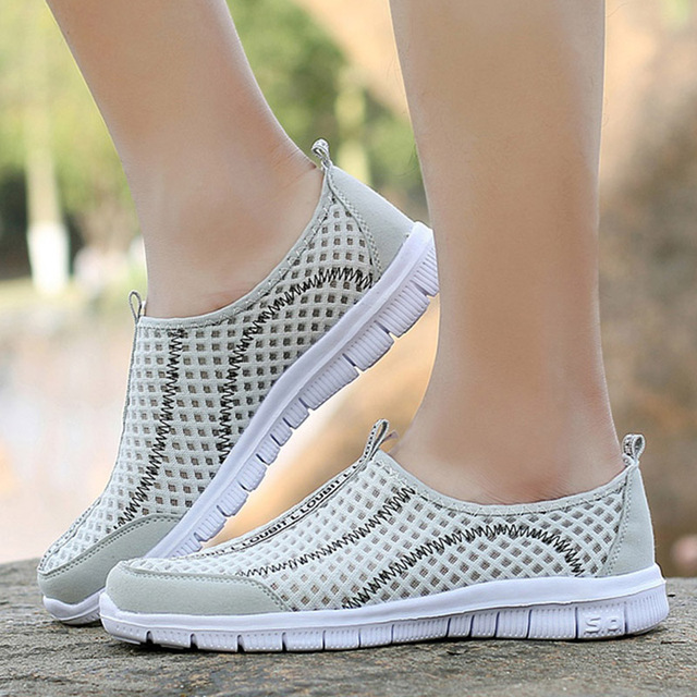 Men Breathable Mesh Shoes Slip On Fashion Men Loafers Summer Light Casual Shoes 36-48