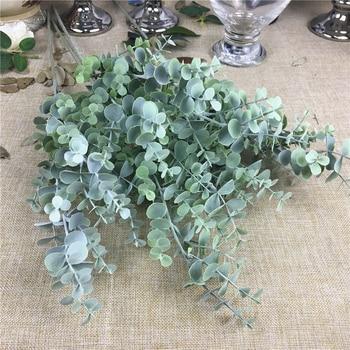 Plastikowa gałąź eukaliptusa sztuczny kwiat aranżacja sztucznych liści do dekoracji ślubnych zielonych liści sztuczna roślina