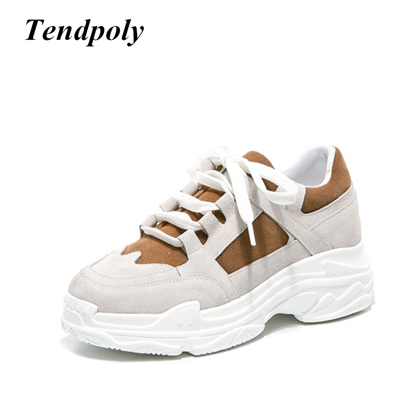 The new Sell well simple fashionable women's shoes 2018 autumn winter warm at the end of popular Korean casual white Women shoes the ocean at the end of the lane