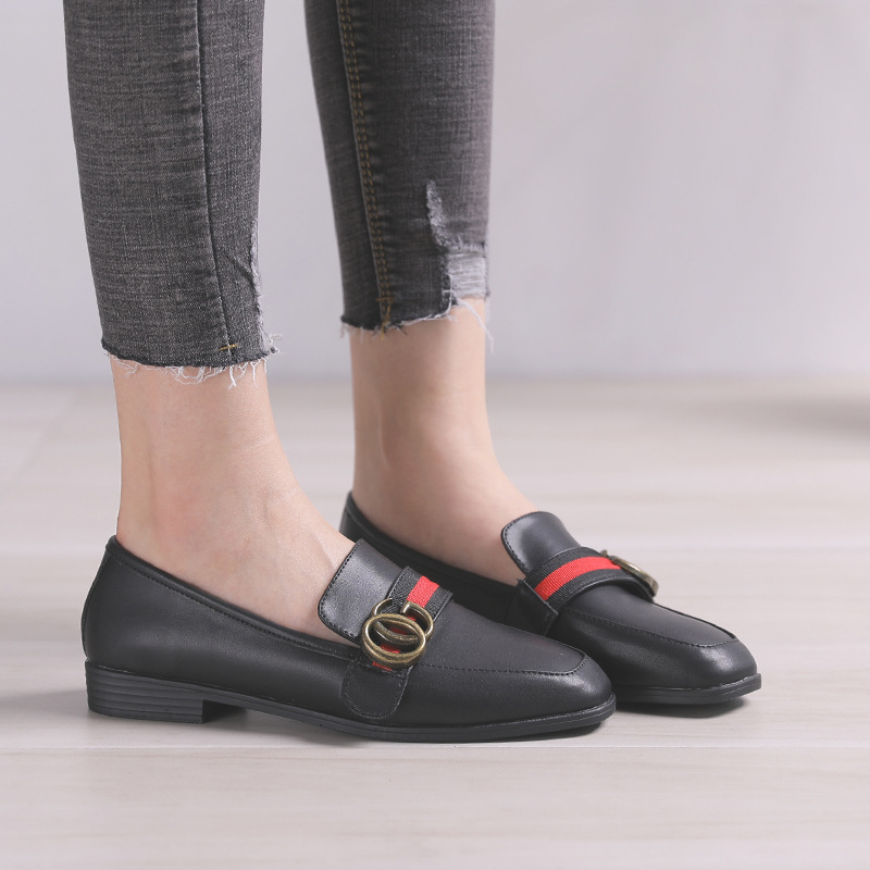 Flat single shoes female 2018 new metal buckle wild summer casual Korean version shallow mouth peas shoes Lok Fu shoes.. female loafers new lace mother flat shoes fashion shallow mouth ladies peas shoes tendon casual women leather shoes plus size