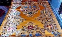 Brocart de soie traditionnelle chinoise 75 CM Polyester tissu cheongsam or dos avec rouge or vert bleu blanc grand motif positionné