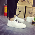 2017 Primavera Nuevos Hombres de la Moda Mocasines Planos Zapatos de Cuero Clásico Zapatos Casuales Negro Blanco