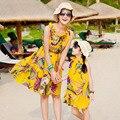 Bohemia Пляж Платья Мать Дочь Семьи Соответствующие Наряды Девушка Желтый Цветочный Принт Пляжные Платья Семья Посмотрите Шифон Мама Малыша