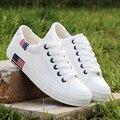 2017 New Low Cut Niña Zapatos Casuales de Fondo Grueso Cómodo Blanco Mujer Ocio Zapatos de Lona Planos Zapatillas De Deporte Mujer