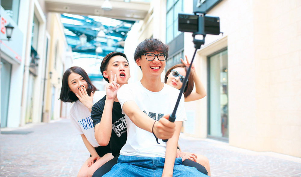 Newest Xiaomi Monopod Mi Selfie Stick Bluetooth Tripod With Wireless Remote 360 Rotation FlexiableWired Version Android 4.3 IOS (15)