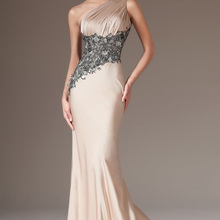 Очаровательные атласные вечерние платья цвета шампанского с одним плечом и черным кружевом