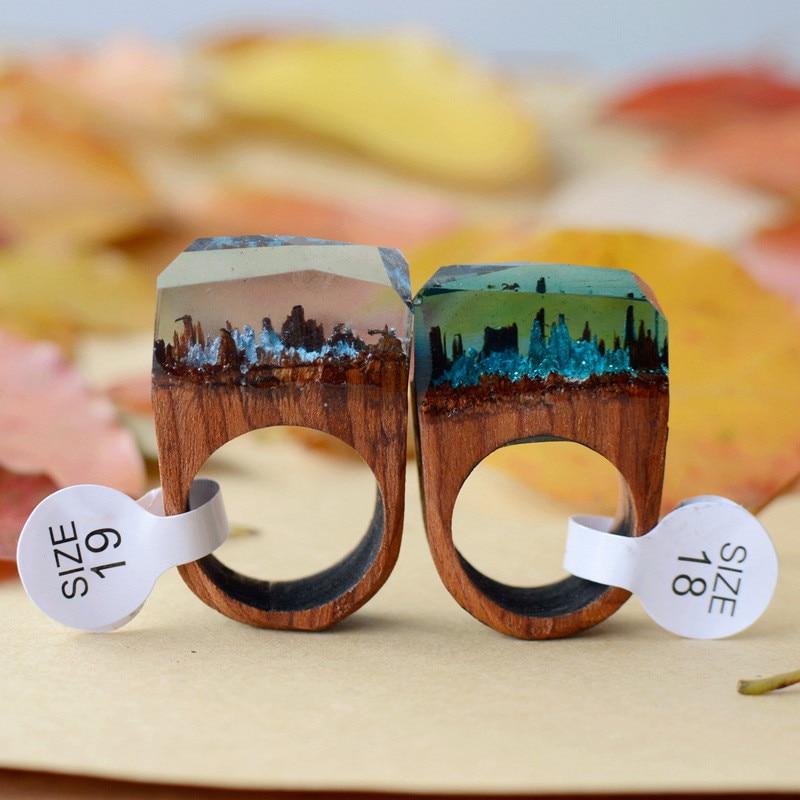 Nuevo diseño Rose Blooming Secret Forest Mundos de madera en miniatura Anillo interior para mujer Joyería de dedo de resina