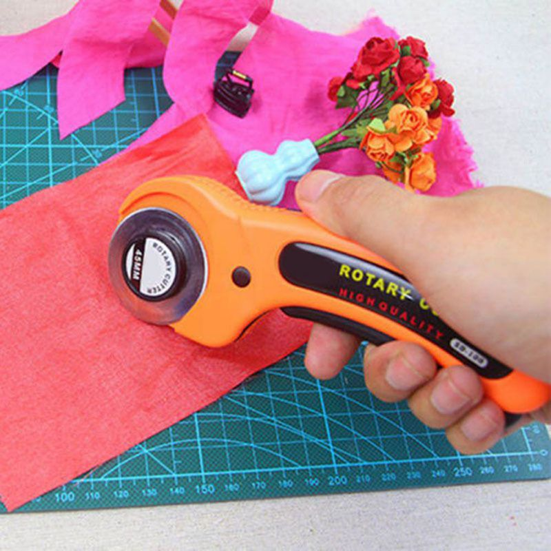 Hot Stylish 45mm Rotary Cutter Premium Quilters Sewing Quilting Fabric Cutting Craft Tool