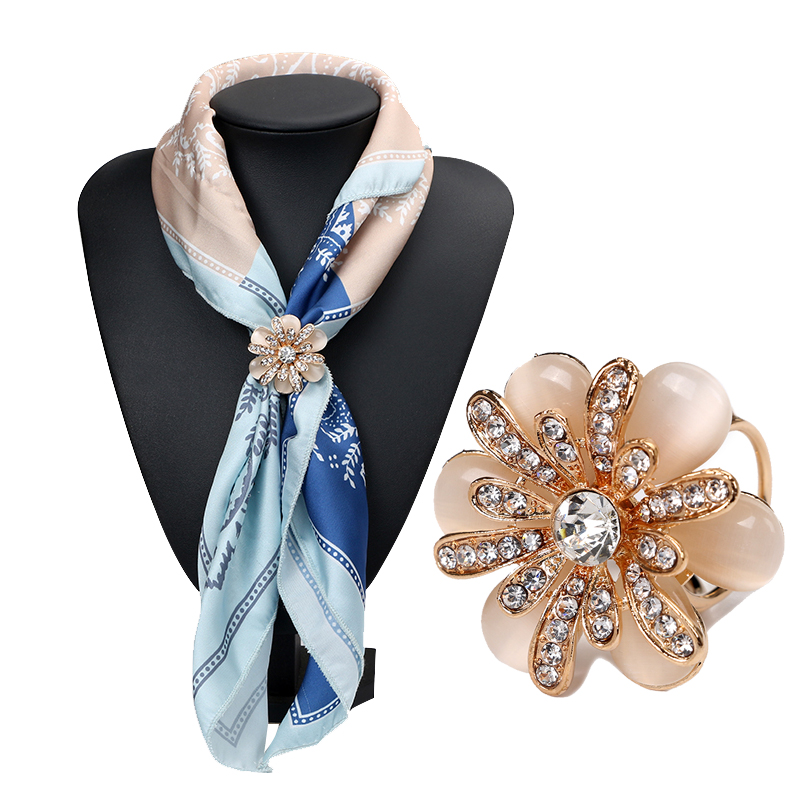 Tocona Trendy Flower Natural Rhinestone Pendants Brooch Pins for Women Scarf Clips Jewelry Accessories Gifts 3791