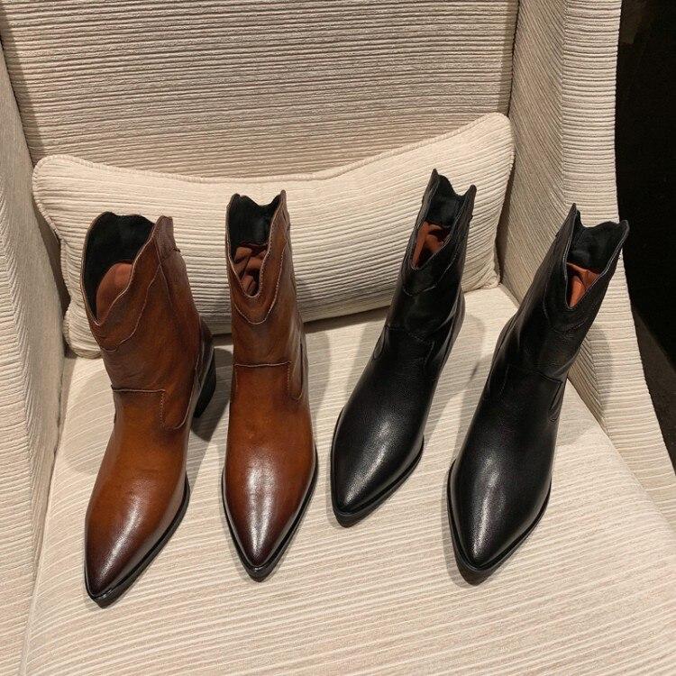 Модные европейские кожаные ботинки женские ботильоны ковбойские сапоги Вестерн на среднем квадратном каблуке с острым носком женские зимн