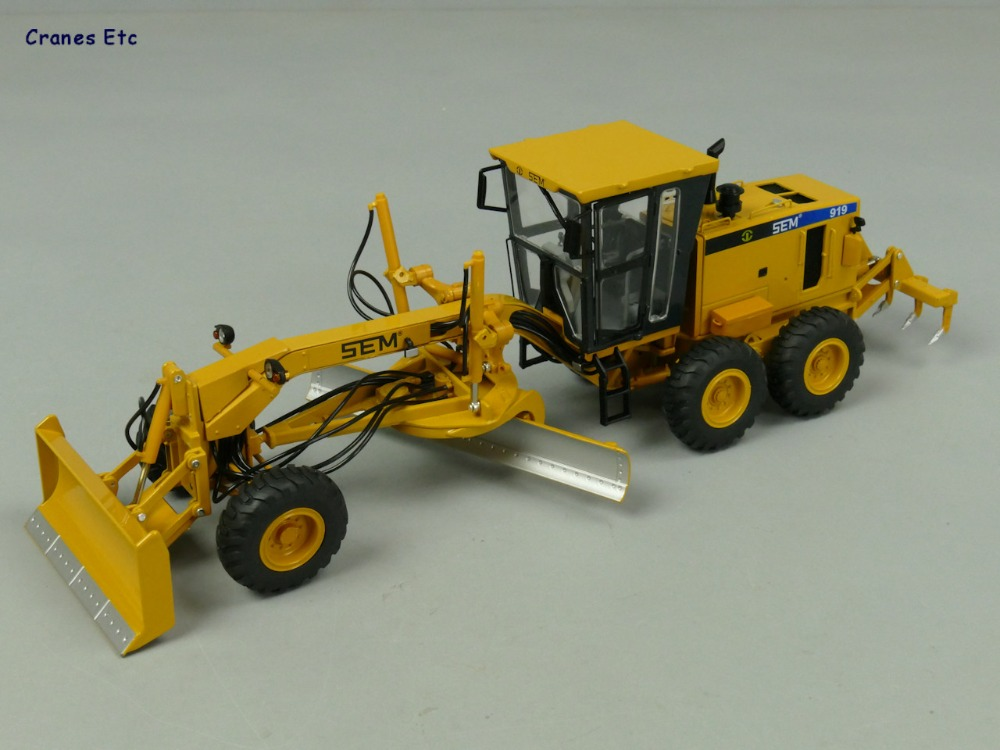 New 1/35 Scale, Diecast CAT SEM919 Grader Model, Cab Can Open, Bucket And Ripper Can Move, Toy, Collection, Gift