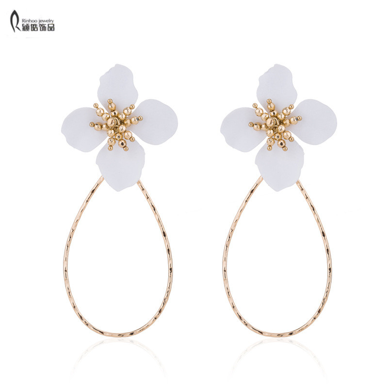 Us 1 4 30 Off Hot Cream Lacquered Layering Petals Daisy White Flower Dangle Earrings Wedding Bride Jewelry For Women In Drop From