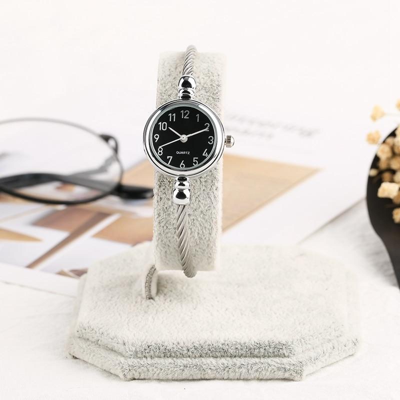 Unique Women Bracelet Watch Little Smooth Dial Top Luxury Silver Slim Strap Korean Retro Art Female Clock Quartz Watch Gift Hour 2018 2019 (36)