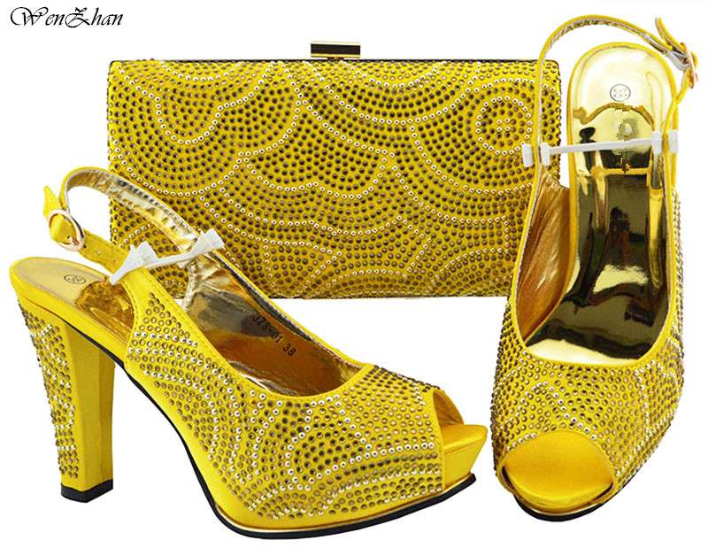 Yellow Color African High Heel Shoes and Bag Set Italian Design African Shoes and Bag Sets For Party Wedding Shoes B89-22 high qulity african woman high heel shoes and bags set hot selling italian pumps shoes and bag set for wedding mm1035
