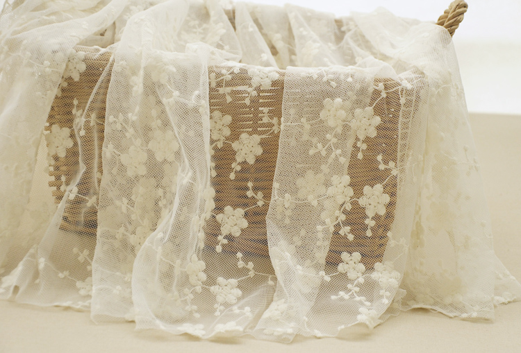 Factory direct sales 1yard Beautiful Small Floral Cotton Embroidery Lace Fabric Wedding Dress DIY skirt Clothing Accessories in Fabric from Home Garden