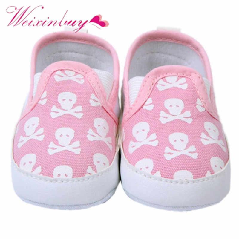 2017 ופרס 0-12 m תינוק נעלי ילדים ילד ילדה פעוט גולגולת רך Sole אנטי להחליק סניקרס נעליים 1 זוגות להחליק על נעליים