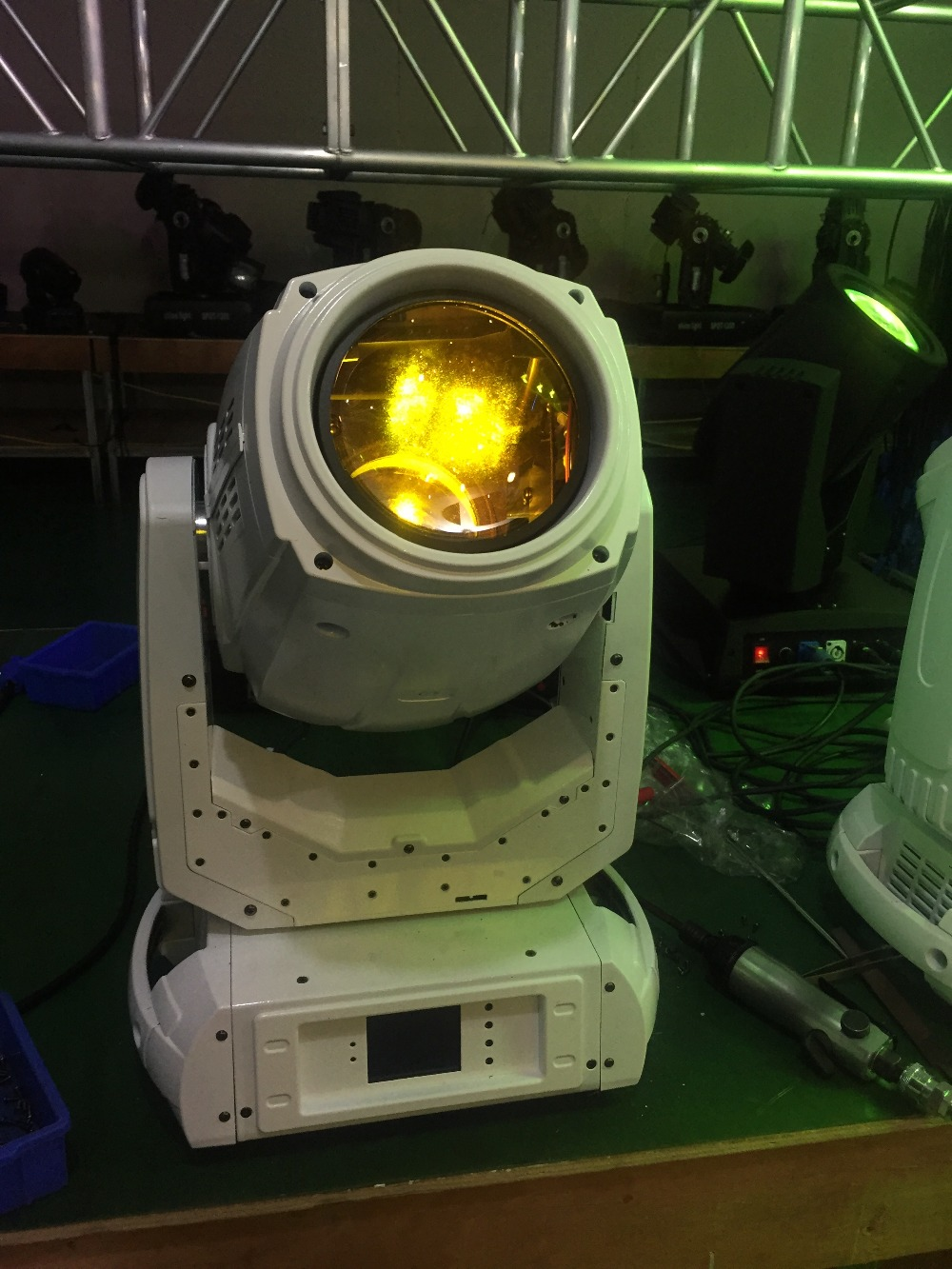 4pcs/lot new products robe beam 280w 10r beam wash moving head spot light robe pointe for disco