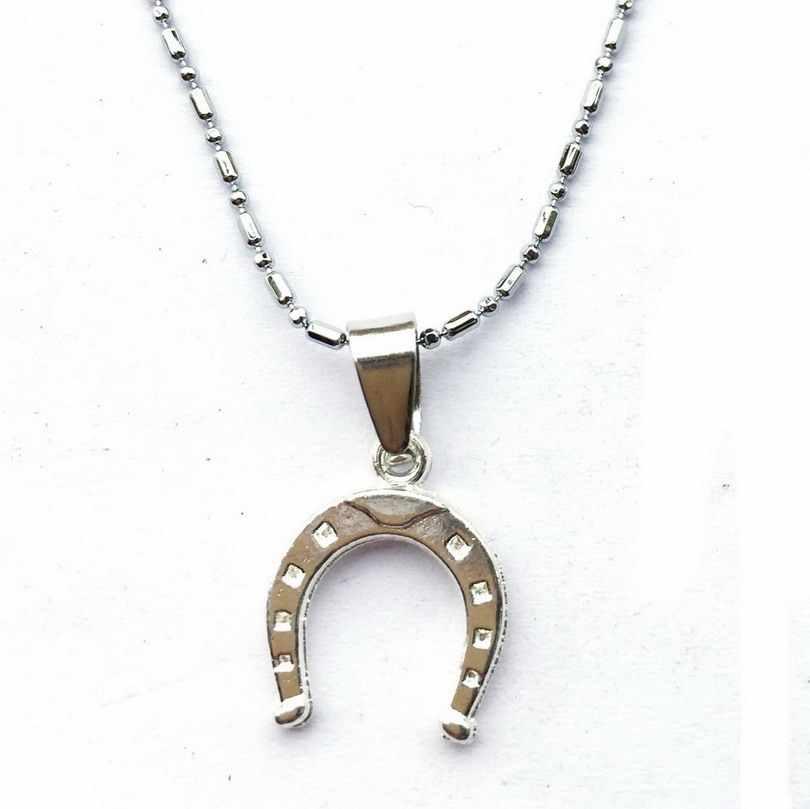 صغيرة قلادة سلسلة اليدوية اكي حدوة سحر العروسة داينتي الفروسية الحصان الأحذية عاشق هدية