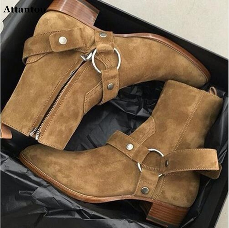 Attantou Tan/Negro gamuza cuero cadenas arnés hombres botas apiladas talón Anke botas con cremallera lateral hombres moda Chelsea botas los zapatos de los hombres-in Botas básicas from zapatos    1