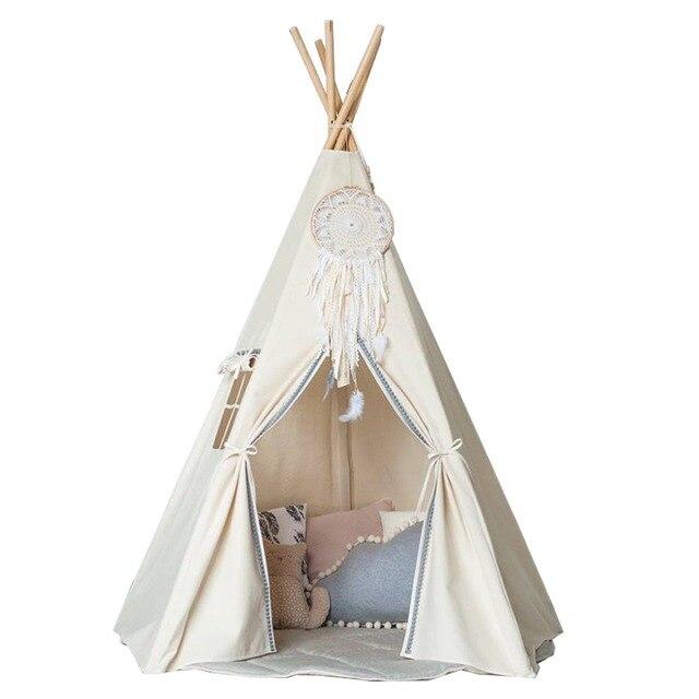 L\'amour libre @ Indian style enfants jouent tente tipi indien ...
