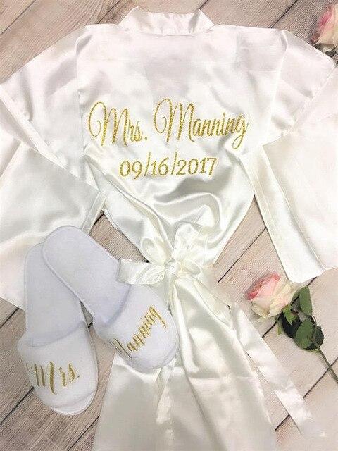 444e061d0 Título nome personalizado Despedida de casamento Da Dama de honra da noiva  de cetim quimonos vestes