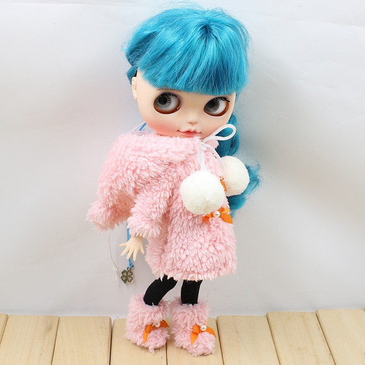 Neo Blythe Doll Winter Suit With Shoes & Stocking 1