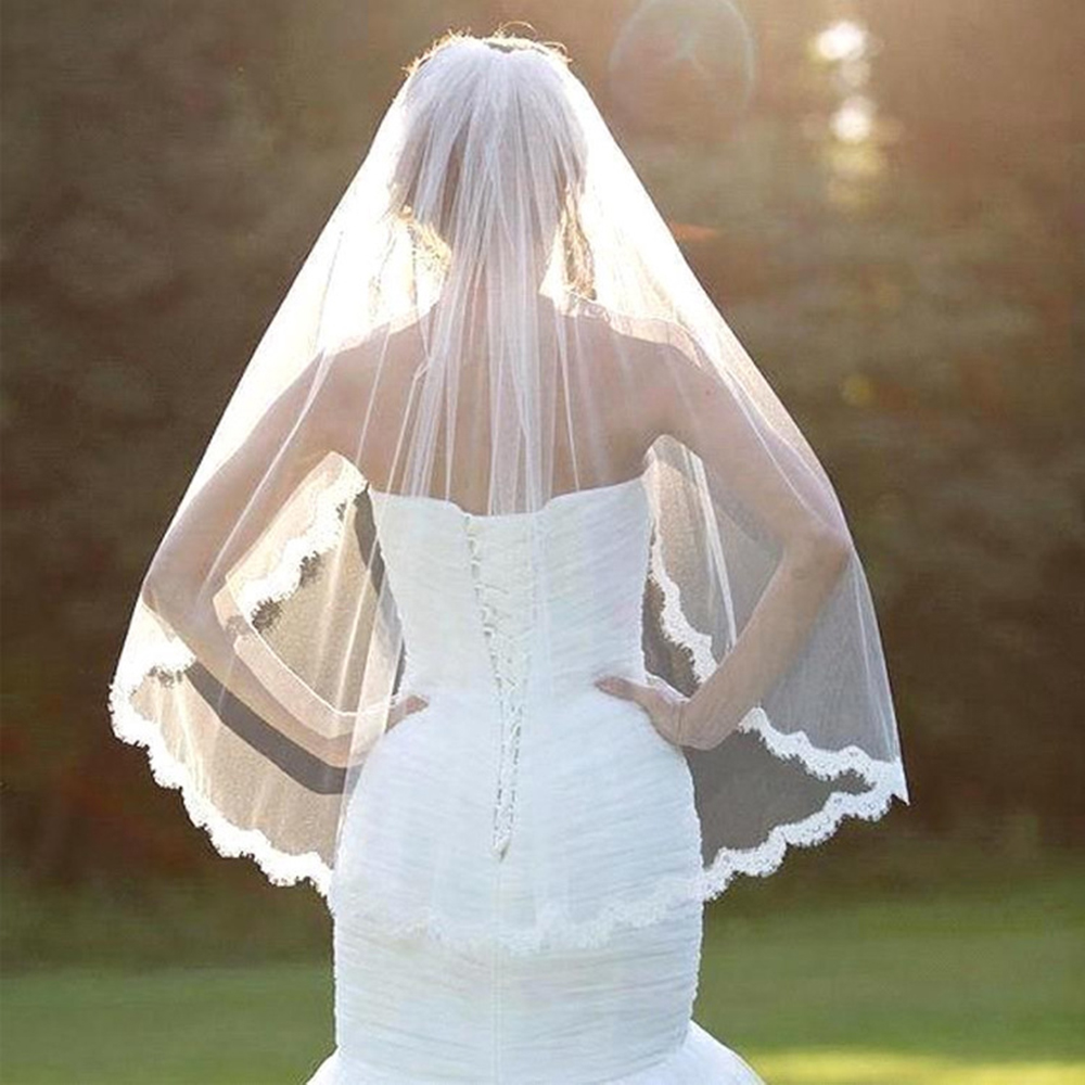 Bride White Wedding Veil One-tier Fingertip Veils Lace Applique Edge With Comb Hot For Wedding Shows Artistic Photos