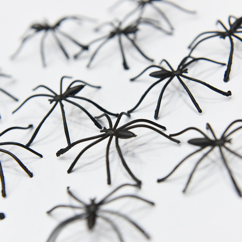 50pcs Black Plastic Spider Funny Black Fake Spiders Halloween Party For Halloween Decor Haunted House