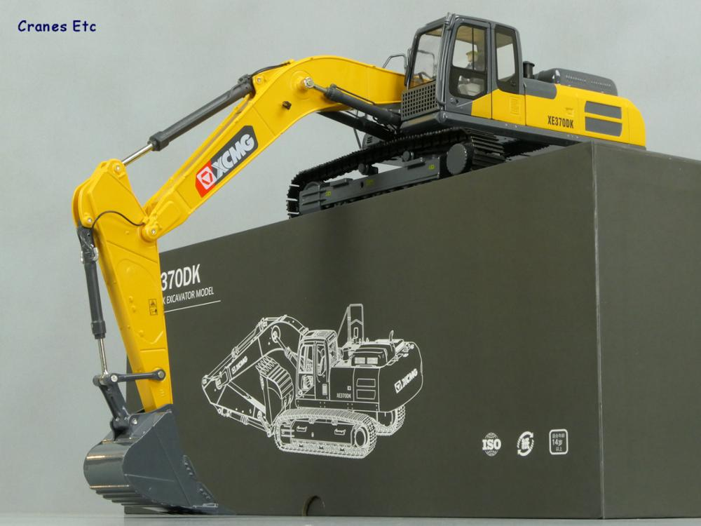 2019 New 1/30 Diecast Metal Construction Models for XCMG XE370 Excavator Model, with driver doll, Collection, Gift, Replica2019 New 1/30 Diecast Metal Construction Models for XCMG XE370 Excavator Model, with driver doll, Collection, Gift, Replica