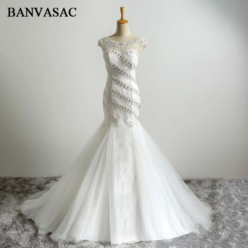 BANVASAC 2017 Ny Mermaid Elegant Broderi O Hals Bryllupskjoler Sleeveless Krystaller Satin Sweep Train Blonder Brudekjoler