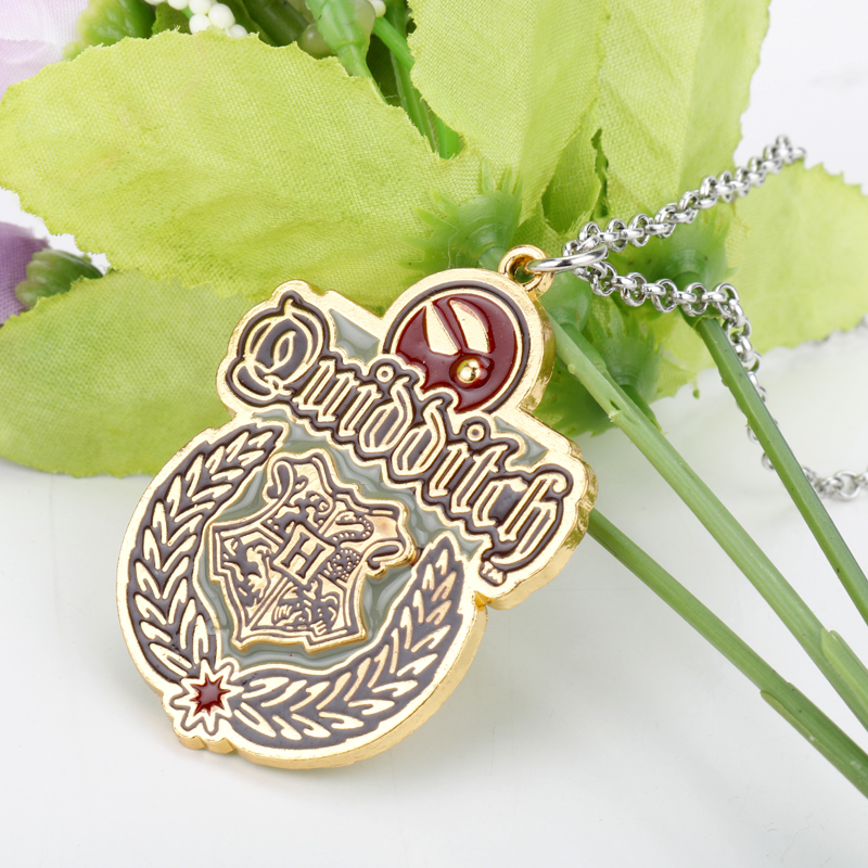 Classic Movie Jewelry <font><b>Necklace</b></font> Gryffindor <font><b>Hogwarts</b></font> School Slytherin Badge Crest Pendant <font><b>Necklace</b></font> <font><b>Unisex</b></font> Accessory Chain Choker image