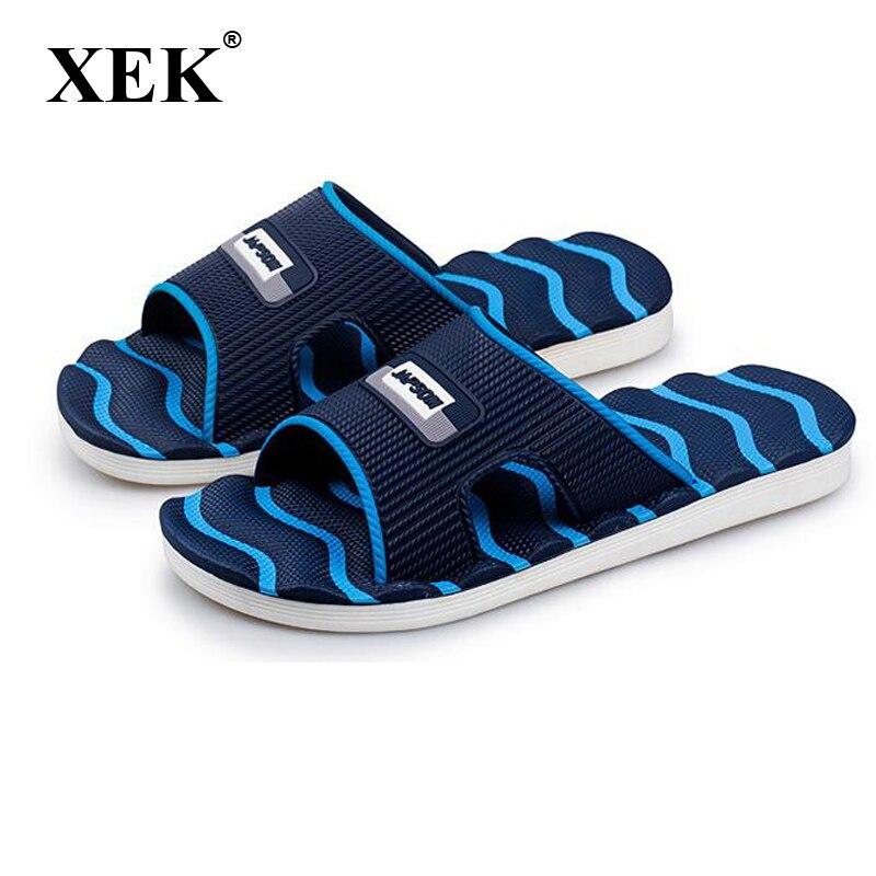 Xek mujeres hombres Zapatillas nuevo ligero casual Plaid rayas Sandalias verano moda hombres Classic flip flops playa suave Zapatos fm59