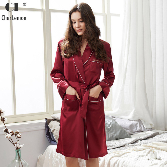 CherLemon Womens Spring Satin Robe 2018 New Elegant Kimono Bridesmaids  Bathrobes Sexy Wine Red Silky Sleepwear Large Size M-XXL 8c802f08d