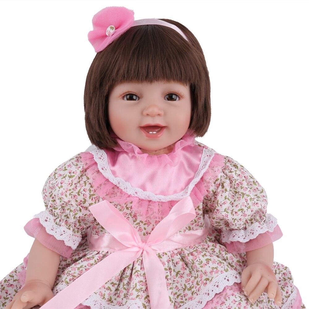 55 cm Silicone souple Reborn poupée fille poupée avec robe fantaisie 22 pouces poupées Reborn pour fille cadeau d'anniversaire jouets pour enfants