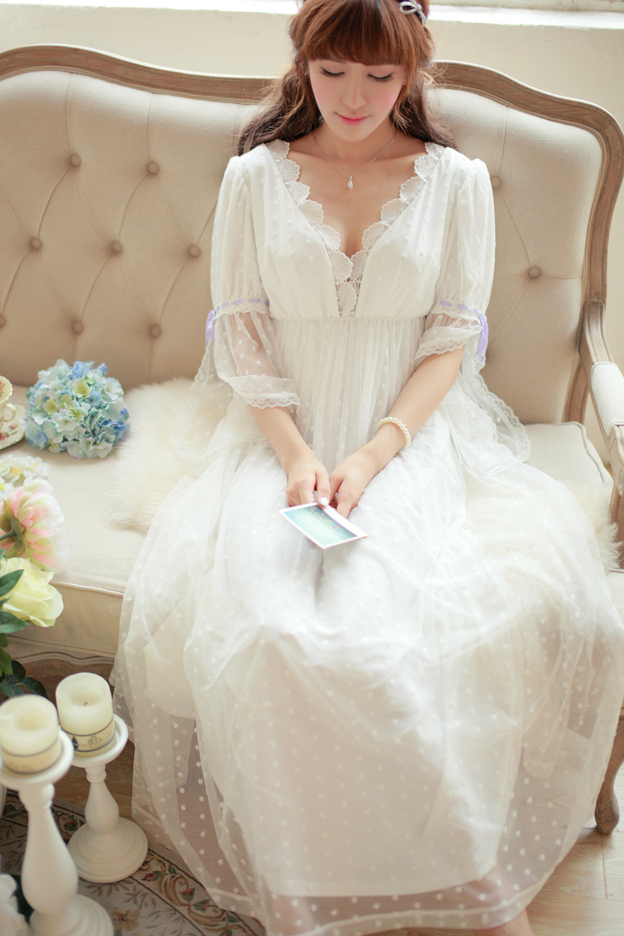 Soft Gauze Lace Vintage Nightgown Elegant Noble Goddess Long Nightdress High Quality Princess Nightgown Ladies Sleepwear