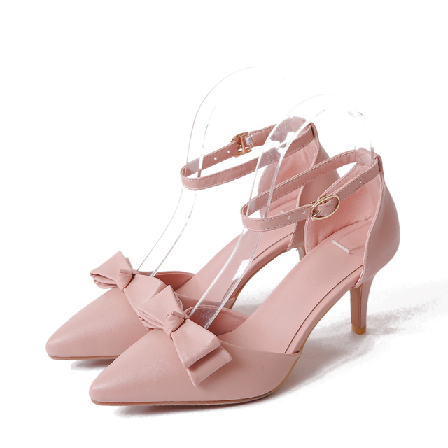Women's Fashionable Bowknot Pointy Toe Buckle Sandals